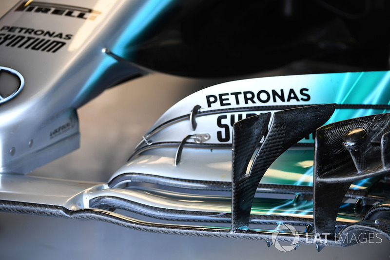 Mercedes-Benz F1 W08 Hybrid detalle de ala delantera