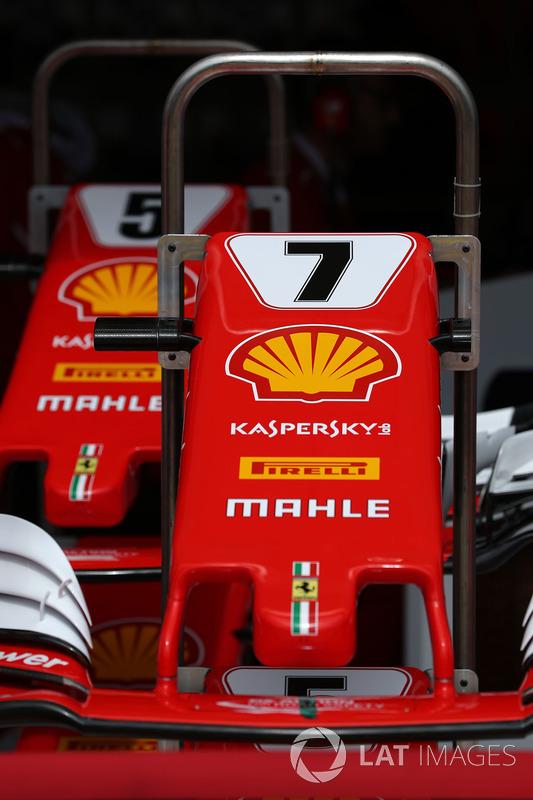 El detalle de ala de nariz y el frente del coche de Kimi Raikkonen, Ferrari SF70-H y Sebastian Vettel, Ferrari SF70-H
