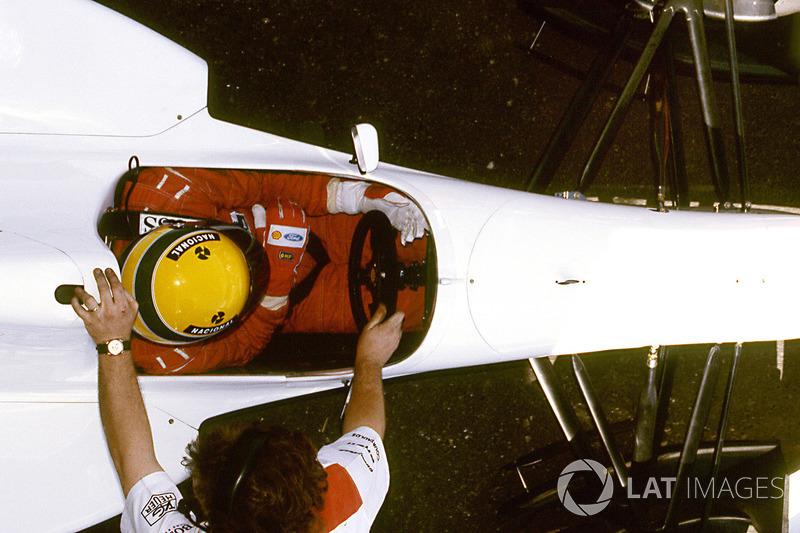 Ayrton Senna, McLaren MP4/8 Chrysler/Lamborghini V12-es motorral