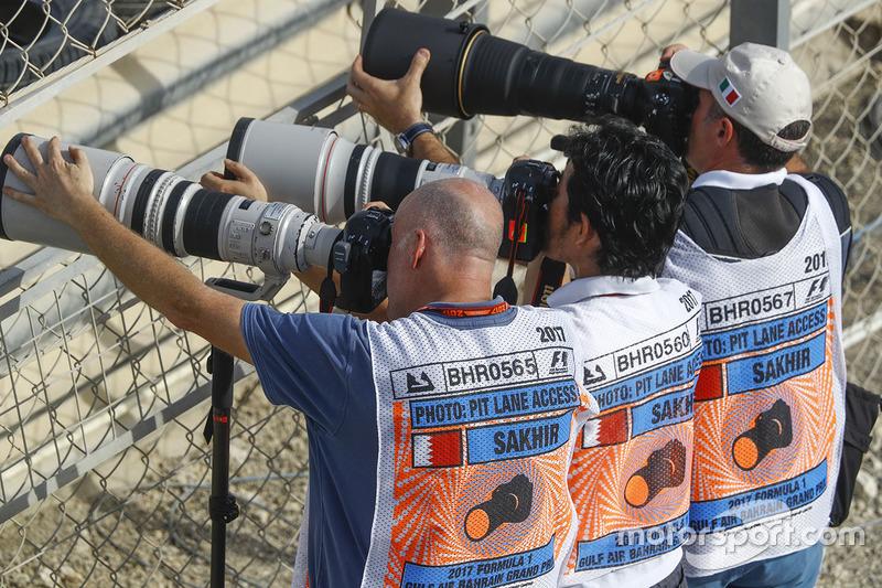 Photographers take aim