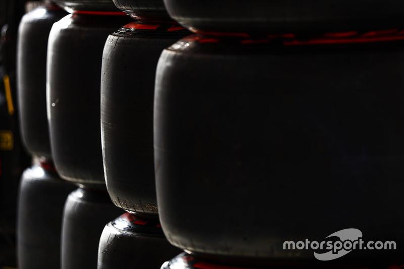 Pirelli-Reifen: Supersoft