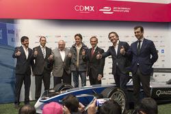 (Izq a der) Horacio de la Vega, director de Indeporte, José Abed, Vicepresidente FIA México,Esteban Gutiérrez y Alejandro Agag, CEO Fórmula E