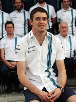 Paul di Resta, Williams Reserve Driver at a team photograph