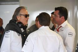 Mansour Ojjeh, TAG-Chef; Zak Brown, McLaren-Chef; Eric Boullier, McLaren-Rennleiter