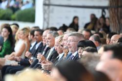 Председатель Formula One Group Чейз Кэри, управляющий директор Ф1 по коммерческим операциям Шон Братчес и Росс Браун