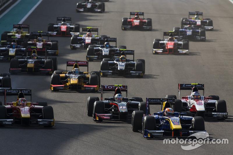Alex Lynn, DAMS leads Norman Nato, Racing Engineering, Johnny Cecotto Jr., Rapax & Sergey Sirotkin, ART Grand Prix