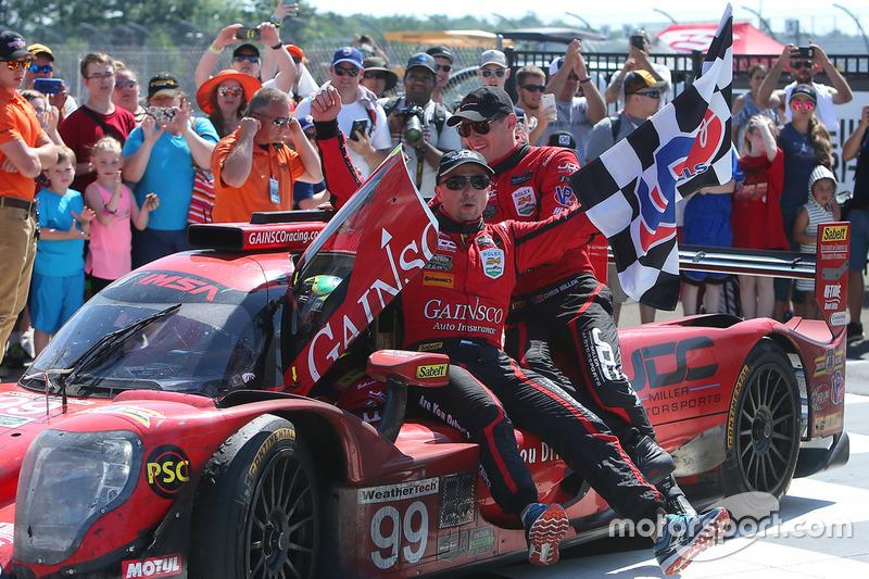 I vincitori #99 JDC/Miller Motorsports ORECA 07, P: Stephen Simpson, Mikhail Goikhberg, Chris Miller