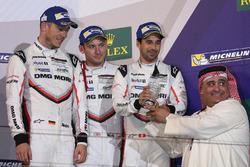 Podio LMP1: tercer lugar Neel Jani, Andre Lotterer, Nick Tandy, Porsche Team