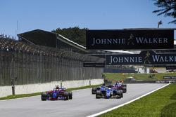 Пьер Гасли, Scuderia Toro Rosso STR12, Маркус Эрикссон и Паскаль Верляйн, Sauber C36, Брендон Хартли, Scuderia Toro Rosso STR12