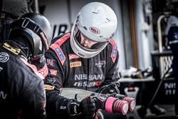 Mecánicos de GT SPORT MOTUL Team RJN