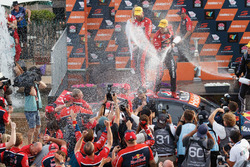 Champion Jamie Whincup, Triple Eight Race Engineering Holden
