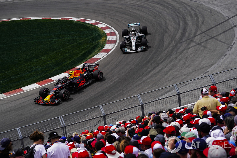 Max Verstappen, Red Bull Racing RB14, leads Lewis Hamilton, Mercedes AMG F1 W09