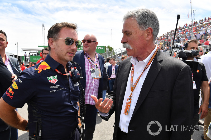 Christian Horner, Red Bull Racing Team Principal y Chase Carey, CEO de la F1