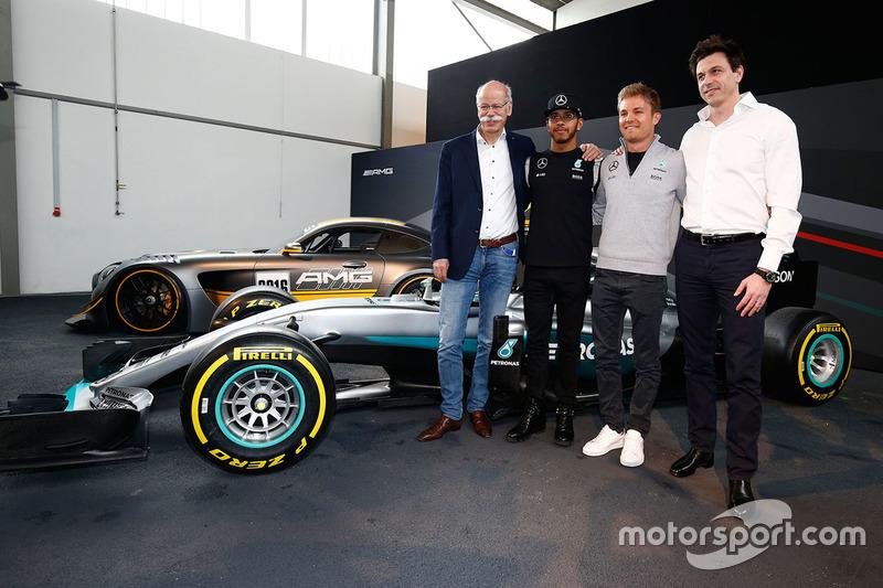 Lewis Hamilton, Mercedes AMG F1 Team; Nico Rosberg, Mercedes AMG F1 Team; Toto Wolff, Mercedes AMG F1 Sportchef and Dr. Dieter Zetsche, Daimler AG