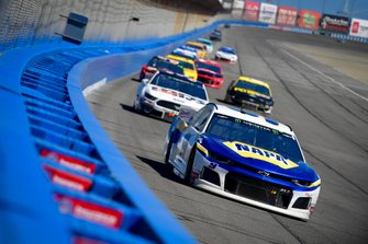 Chase Elliott, Hendrick Motorsports, Chevrolet Camaro NAPA AUTO PARTS, David Ragan, Front Row Motorsports, Ford Mustang MDS Trucking