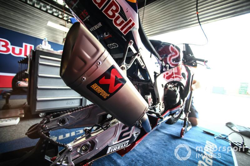 Leon Camier, Honda WSBK Team bike