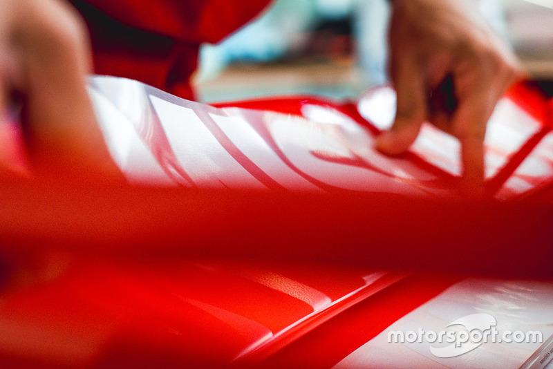 Наклейки Ferrari Philip Morris