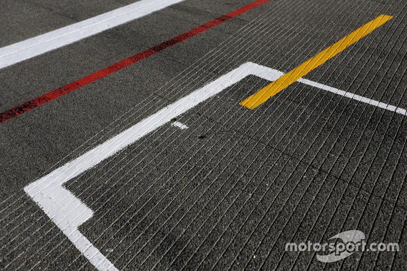 Pole position, atmosfera in pista