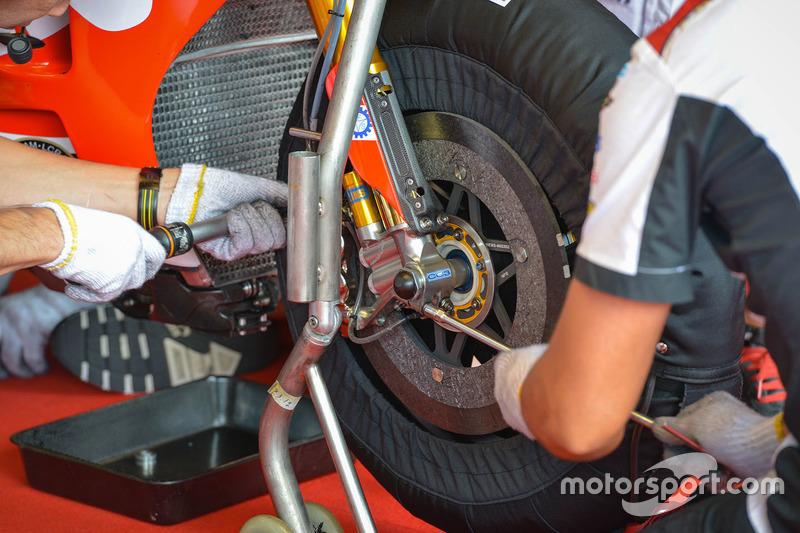 Cal Crutchlow, Team LCR, Honda: Bremsscheibe