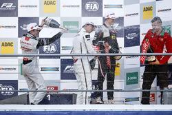 Podio: ganador de la carrera Lance Stroll, Prema Powerteam Dallara F312 - Mercedes-Benz; segundo lug