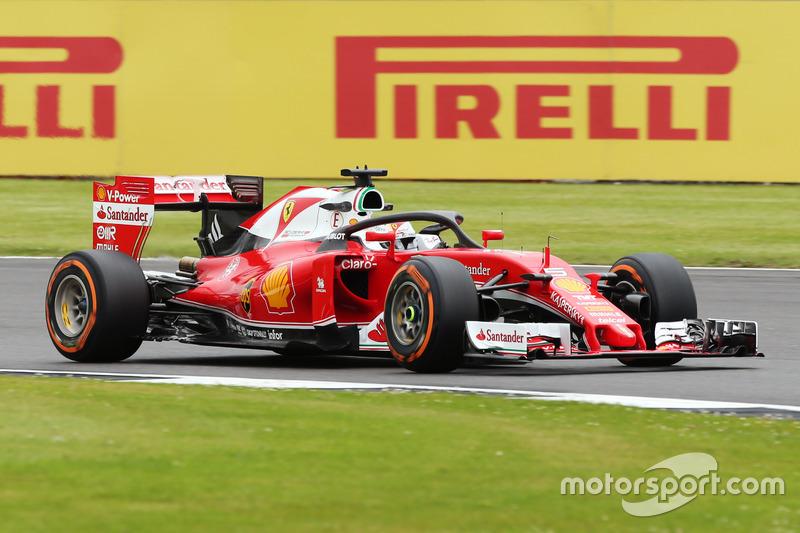 Sebastian Vettel 'Halo' sistemi ile pistte