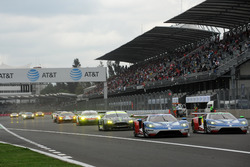 Start GTE Pro: #67 Ford Chip Ganassi Racing Ford GT: Andy Priaulx, Harry Tincknell leads