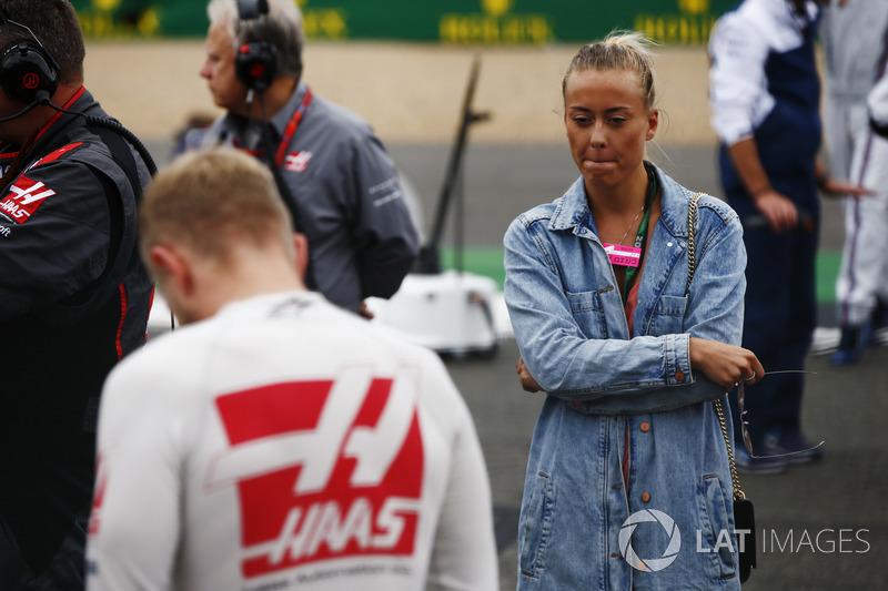 Kevin Magnussen, Haas F1 Team, his girlfriend Louise