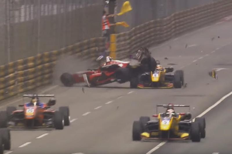 Crash: Macau Grand Prix (Screenshot)