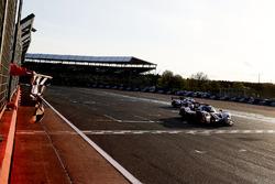 #32 United Autosports, Ligier JSP217 - Gibson: William Owen, Hugo de Sadeleer, Filipe Albuquerque takes the checkered flag