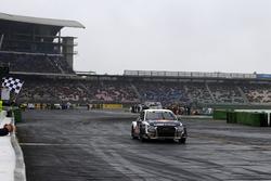 Checkered flag for Mattias Ekström, EKS, Audi S1 EKS RX Quattro