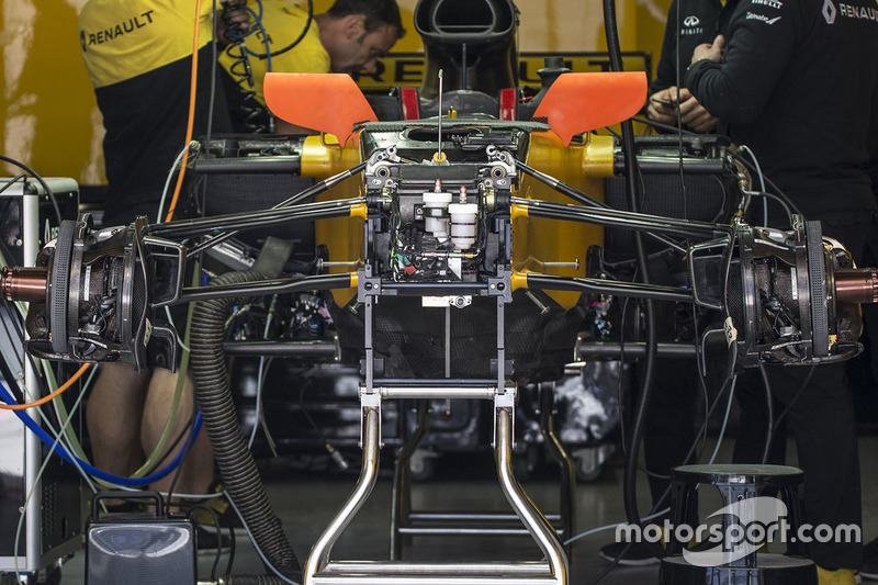 Renault Sport F1 Team RS17 front suspension detail