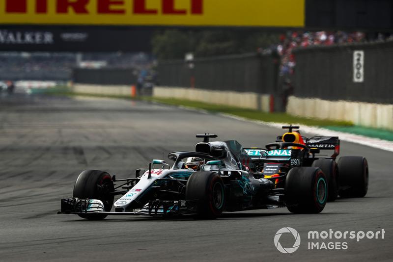 Lewis Hamilton, Mercedes AMG F1 W09 EQ Power+, Daniel Ricciardo, Red Bull Racing RB14