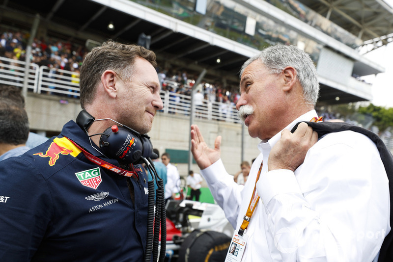 Christian Horner, Team Principal, Red Bull Racing, avec Chase Carey, directeur exécutif du Formula One Group