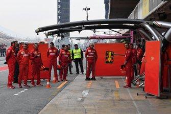 Ferrari mechanics and screens