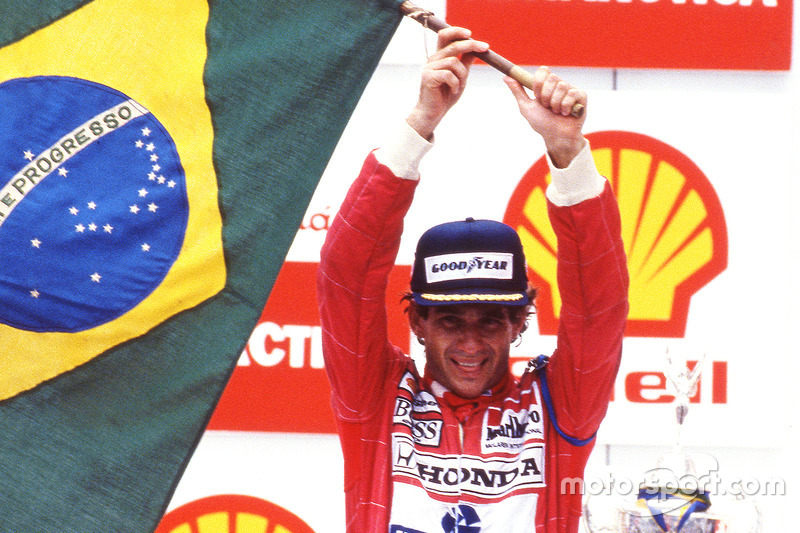 Podium: winnaar Ayrton Senna, McLaren