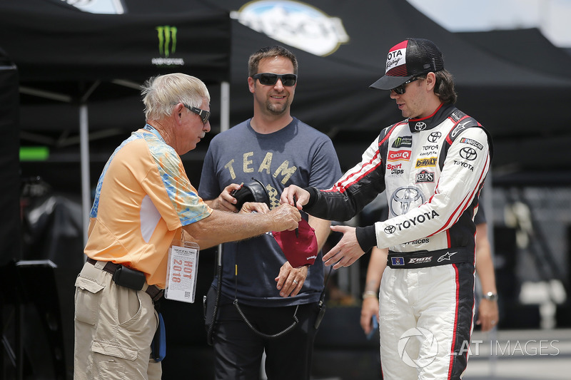 Erik Jones, Joe Gibbs Racing, Toyota Camry buyatoyota.com, Chris Gayle