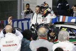 Yarış galibi Esteban Guerrieri, Honda Racing Team JAS, Honda Civic WTCC ve Tiago Monteiro, Honda Racing Team JAS, Honda Civic WTCC