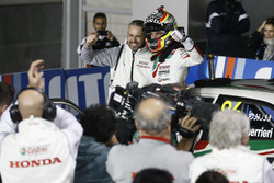 Ganador de la carrera Esteban Guerrieri, Honda Racing Team JAS, Honda Civic WTCC con Tiago Monteiro, Honda Racing Team JAS, Honda Civic WTCC