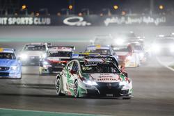 Esteban Guerrieri, Honda Racing Team JAS, Honda Civic WTCC leads
