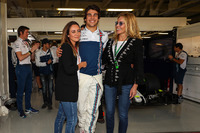 Lance Stroll, Williams celebrates his 19th Birthday with family