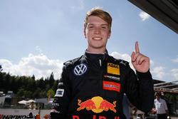 Il vincitore della gara Dan Ticktum, Motopark Dallara F317 - Volkswagen
