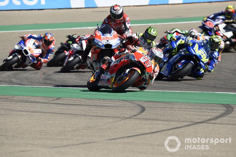 Jorge Lorenzo, Ducati Team se accidenta en la primera curva