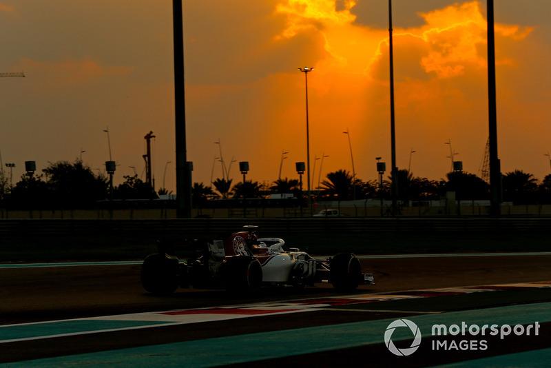 Kimi Raikkonen, Sauber C37 Jean Petin