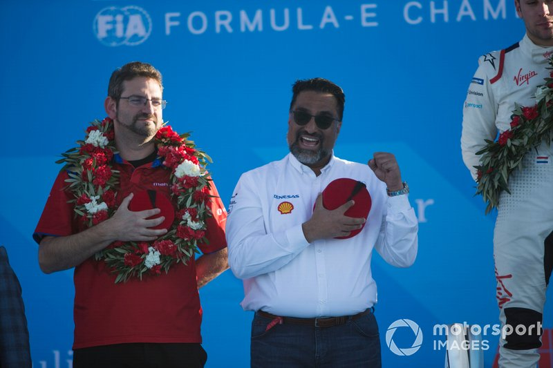 Dilbagh Gill, CEO, Team Principal, Mahindra Racing, sul podio