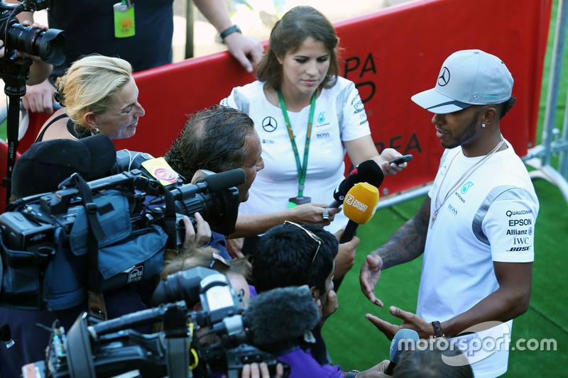 Lewis Hamilton, Mercedes AMG F1 con i media
