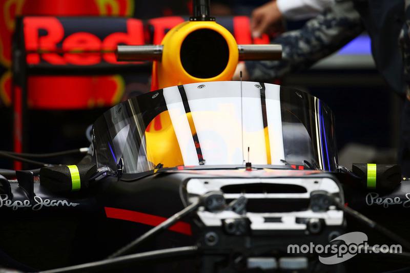 Red Bull Racing RB12, mit Cockpitschutz