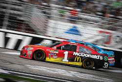 Jamie McMurray, Chip Ganassi Racing Chevrolet, Aric Almirola, Richard Petty Motorsports Ford