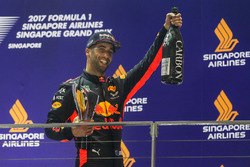 Podium: deuxième place Daniel Ricciardo, Red Bull Racing
