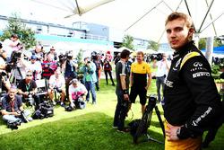Третий пилот Renault Sport F1 Сергей Сироткин