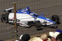 Takuma Sato, Rahal Letterman Lanigan Racing Honda, si ferma dopo l'incidente nell'ultimo giro